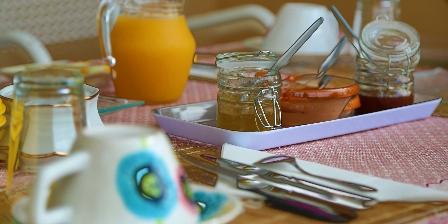 Aux 4 Saisons Petit déjeuner Chambre d'hôte