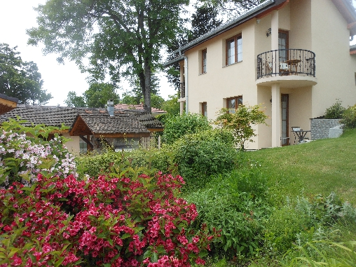 bed & breakfast Haute-Savoie - rooms with lake and mountain view