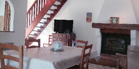 Les Gites du Pic du Comte - La Fénière The Living room