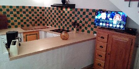 Les Gites du Pic du Comte - L' Ecurie Opened kitchen