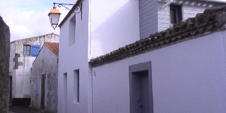 Maison de Pêcheur St Gilles Croix de Vie Façade rue Cadou