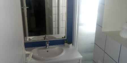 Maison de Pêcheur St Gilles Croix de Vie étage : Salle d'eau