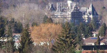 Aux 4 Saisons Castle of Léran. Winter in Pyrénées France