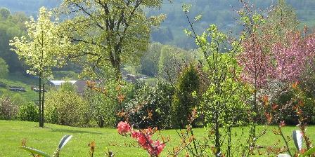 Chambre d'hotes Chambres et Table d'Hôtes Chalet du Seu > au jardin au chalet du seu