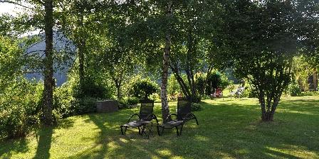 Chambre d'hotes Chambres d'Hôtes Les Arts Verts > Un bout de jardin