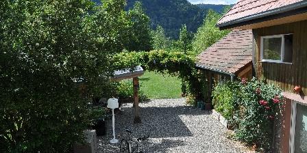 Chambre d'hotes Chambres d'Hôtes Les Arts Verts > La maison et le jardin