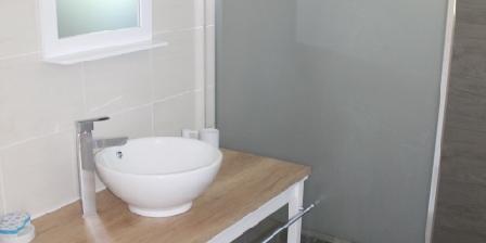 Location Saisonnière Gîte Les Dormants Salle de bain