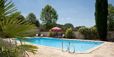 Gîte La Jinolié La piscine sécurisée et chauffée