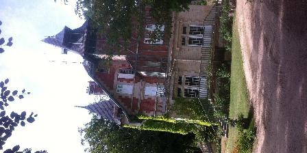 L'Ermitage de La Fontaine des Roches Vue façade est