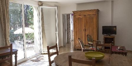Château de La Motte - Gîtes et Salle de Réunion Salon de la maison des pins