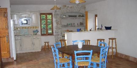 Mas de Valz, gîte La Grive La grive salle de séjour