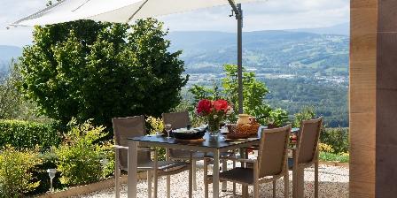 Les Logis de Marie Espace repas terrasse