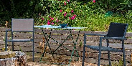 Lyon Campagne, Loft Papillons Votre terrasse privative dans le grand jardin