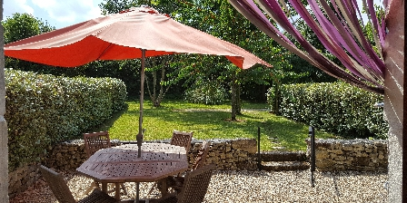 Les Landes Vacances Le Tournesol private patio and garden
