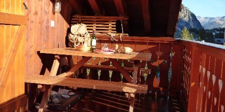 Le Dôme des Sonnailles à La Ferme de Pralognan La terrasse ensoleillée, l'Eté