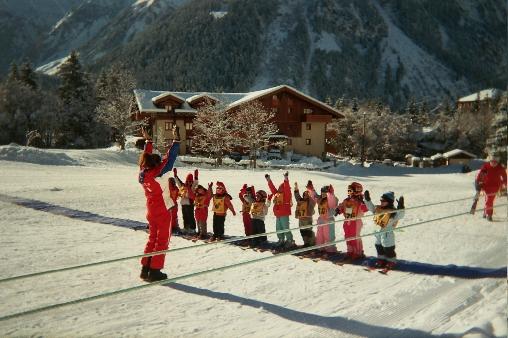 bed & breakfast Savoie - Ecole de ski devant le chalet