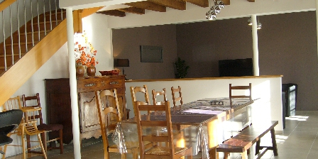 Gîte Le Charnoy Pièce commune et salon