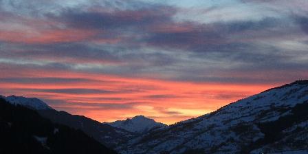 Gite Les Follières Couché de soleil un 31 décembre vus depuis le gîte