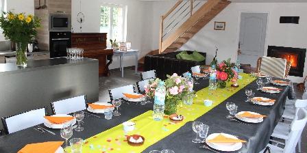 Gite de La Pointe Ridel Une grande tablée pour des réunions de famille