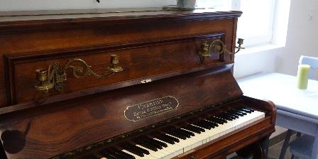 Gite de La Pointe Ridel Gite de La Pointe Ridel Un piano pour des moments de détente