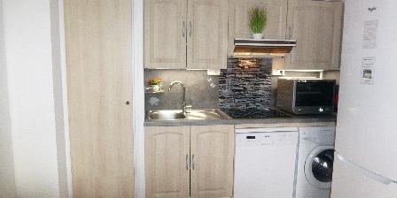 Location de Vacances Hameau du Rivage Christelle  Michel Gozet La cuisine, le confort, lave linge,lave vaisselle et grand frigo