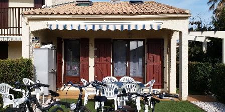 Location de Vacances Hameau du Rivage Christelle  Michel Gozet Le grand extérieur, la terrasse et le jardin