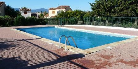 Location de Vacances Hameau du Rivage Christelle  Michel Gozet Piscine privée à la résidence