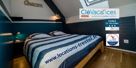 Gite Vue Exceptionnelle Plage de Trestel Près Perros-guirec > espace chambre avec vue mer du lit!