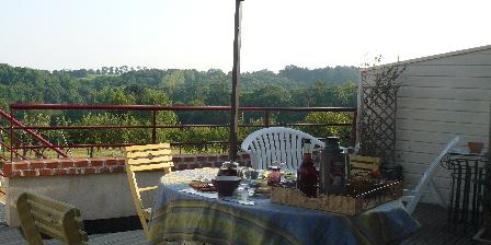 Domaine des 3 Versants Vue panoramique de la terrasse de notre Maison d'hôtes