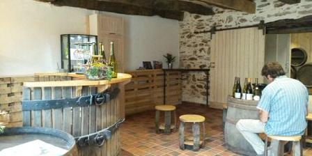 Domaine des 3 Versants Cellar tasting room