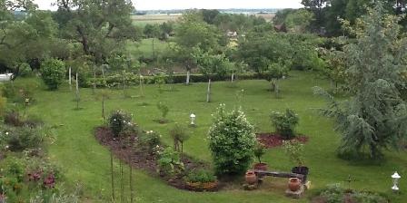 Domaine de La Botterie Le jardin avec vue sur la Brenne