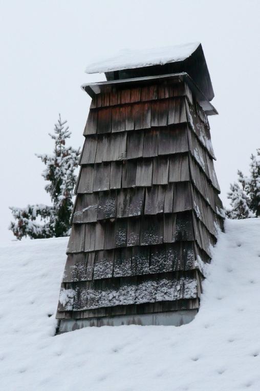 la dernière cheminée en essendoles du village