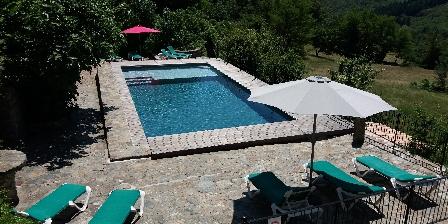 Domaine Le Fraysse Une des deux piscines