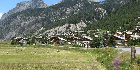 Chalet le Perce Neige Ceillac Chalets