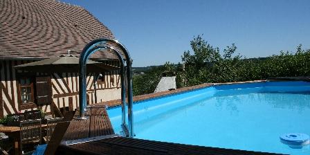 Gîte en Pays d'Auge  maison côté piscine