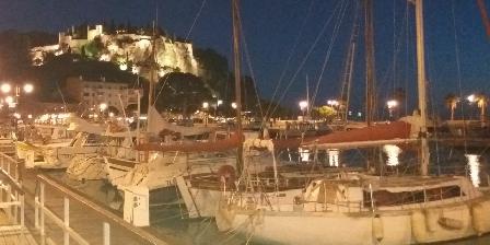 Le Panorama Le Port et château la nuit