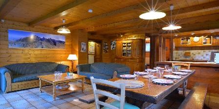 Gite Le Chalet > Grand séjour salon-salle à manger