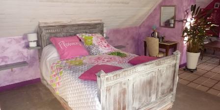 Le Patio d'Eric Chambres d'Hôtes Le grenier lit 1