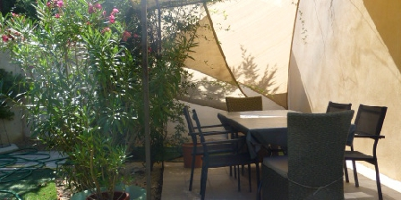 Gites du Clos Joséphine - Drôme Provençale et Gard Avec Piscine Terrasse bastide cloturée