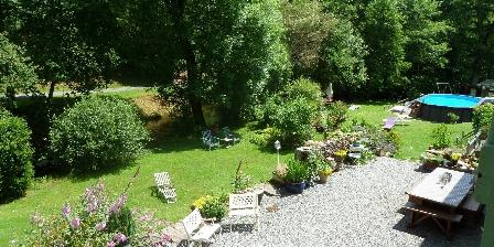 Gites Le Moulin de Sansonneche Terrace