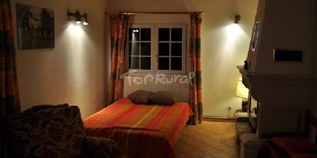 Gite Le Gertal > chambre cheminée