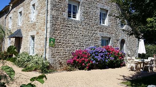 Chambre d'hote Côtes-d'Armor - cour et jardin fermé