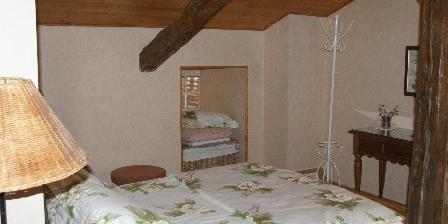 Location Saisonnière Les Roses de Blanchardière Chambre parentale