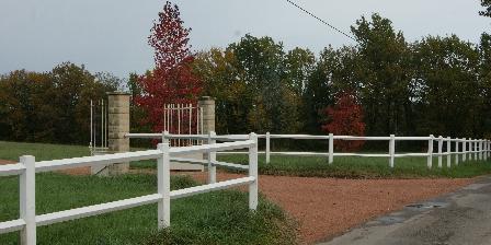 Location Saisonnière Les Roses de Blanchardière Entrée à l'automne