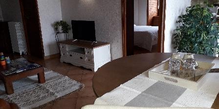 Gîte de France Brugière Chambre Le Tenon et salon privé