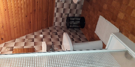 Gîte de France Brugière Salle de bains chambre privée