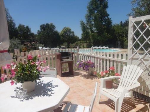 Chambre d'hote Bouches du Rhône - terrasse, salon de jardin, barbecue