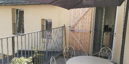 Les Muguets Jusqu'à 12 Personnes Vue oartielle terrasse 1er etage