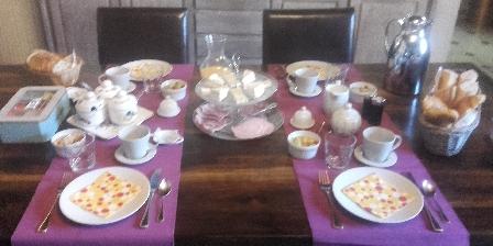 Chambre d'hotes La Différence - Le Pressoir > petit déjeuner