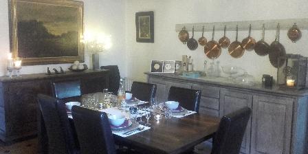 Chambre d'hotes La Différence - Le Pressoir > table d'hôtes